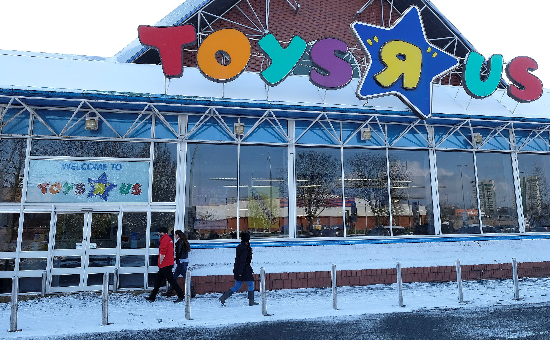 Toys 'R' Us near shutdown of US division