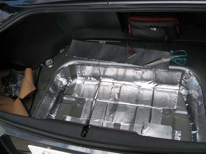【NCロードスター】RHT・トランク・シート背部のデッドニング実施