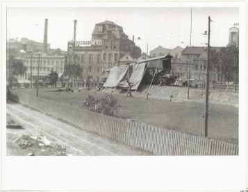 Dismantling of gun, November 1922. DIGITAL ID 17420_a014_a014001457