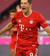 Photo of Bundesliga: Lewandowski breaks Muller's goalscoring record