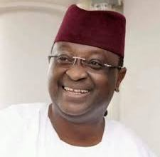 Photo of Sen. Odebiyi donates ICT Centre, Classrooms and hostels to School in Yewaland