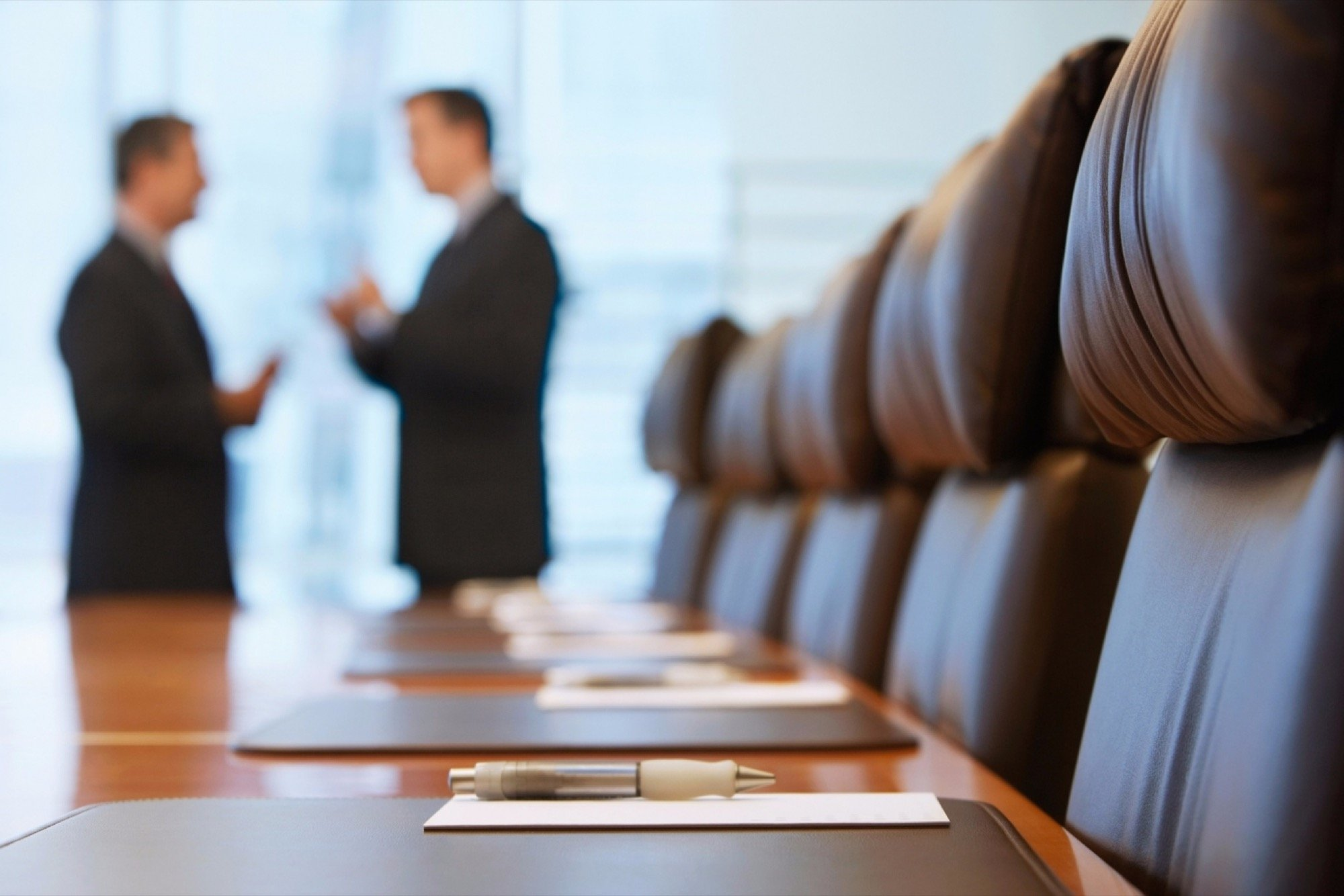 20150903172723-businessmen-meeting-politics-executives-conference-room-negotiations