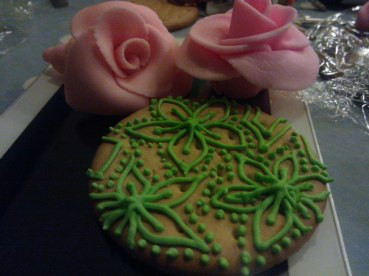 Piping and rose making - edible treats!