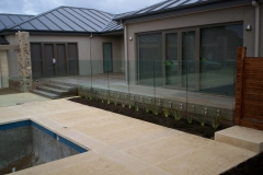 Nu-Lite Balustrading Type 3016 - glass Swimming pool fencing-02