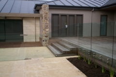 Nu-Lite Balustrading Type 3016 - glass Swimming pool fencing-05