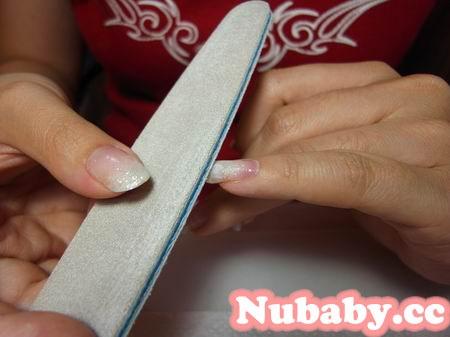 美甲教學-璀璨凝膠指甲修補的步驟