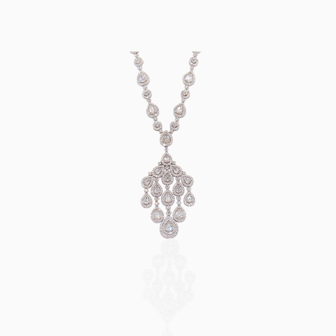 Collar Oro Blanco y Diamantes en Cascada