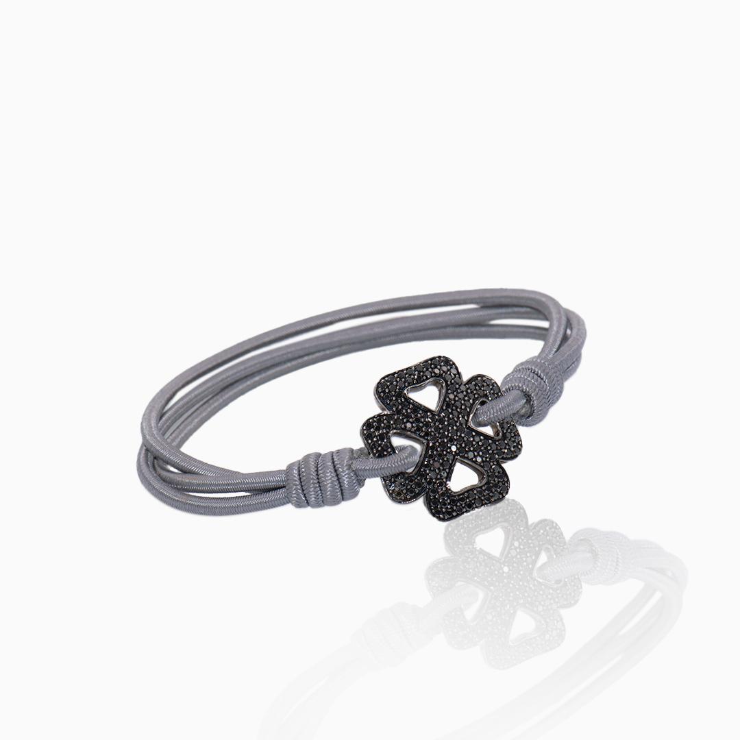 Pulsera Oro Blanco con Diamantes Negros en forma de Trébol