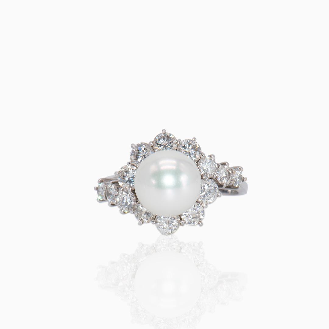 Anillo de Oro Blanco Perla Australiana y Diamantes