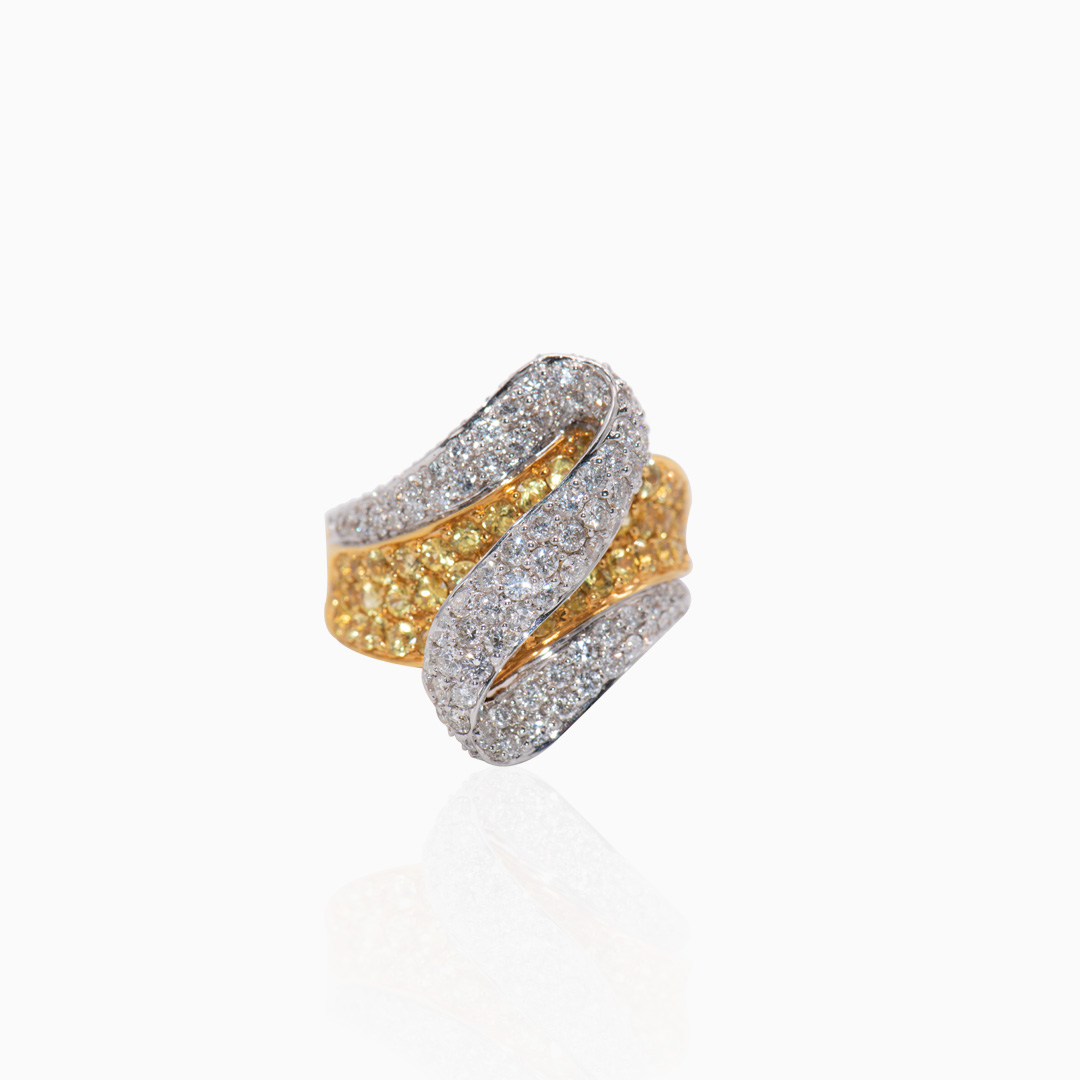 Anillo de Oro y Oro Blanco con Zafiros y Diamantess y Brillantes