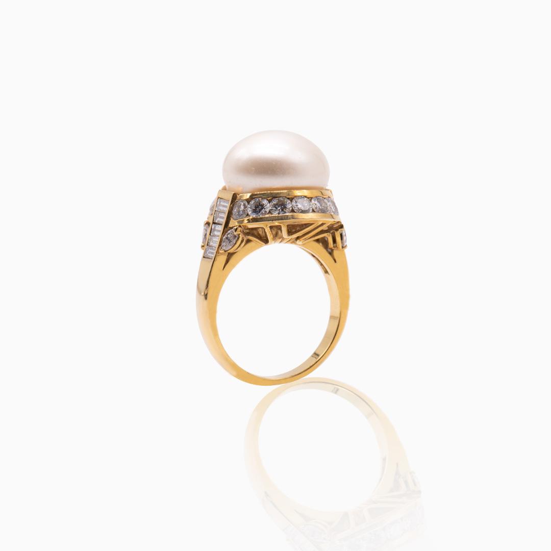 Anillo de Oro Perla Australiana y Diamantes