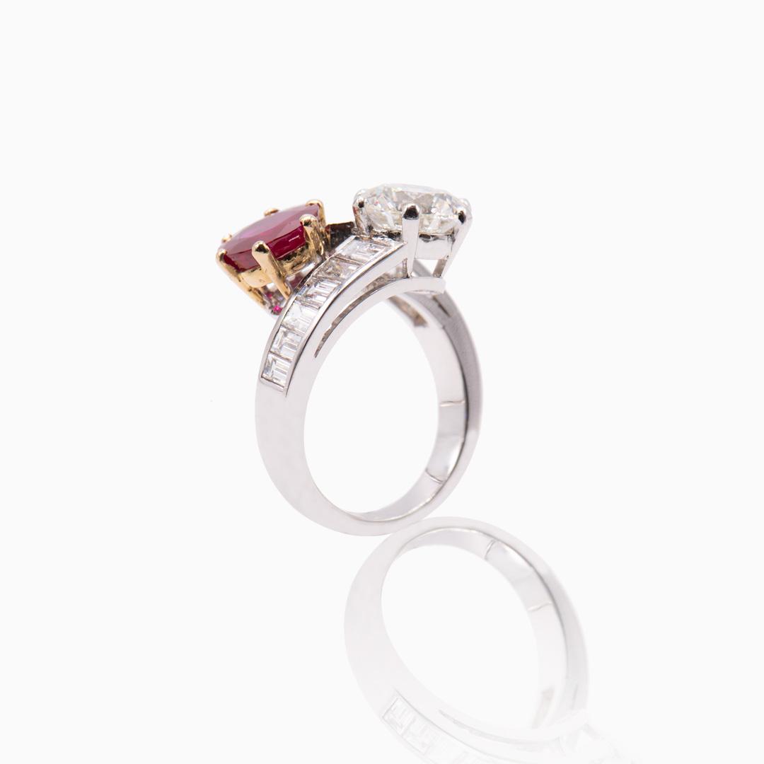 Anillo Platino Rubí y Diamantes