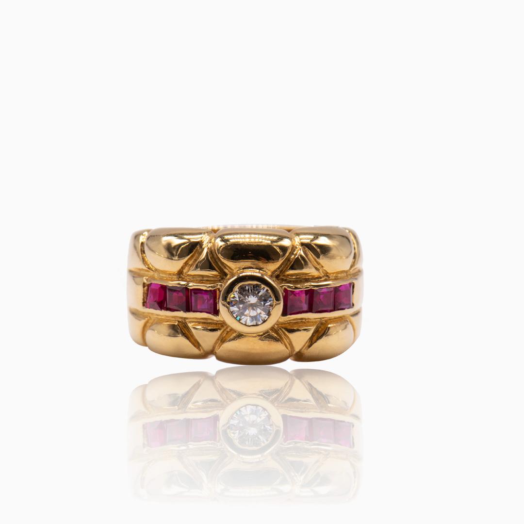 Anillo de Oro Diamante y Rubíes