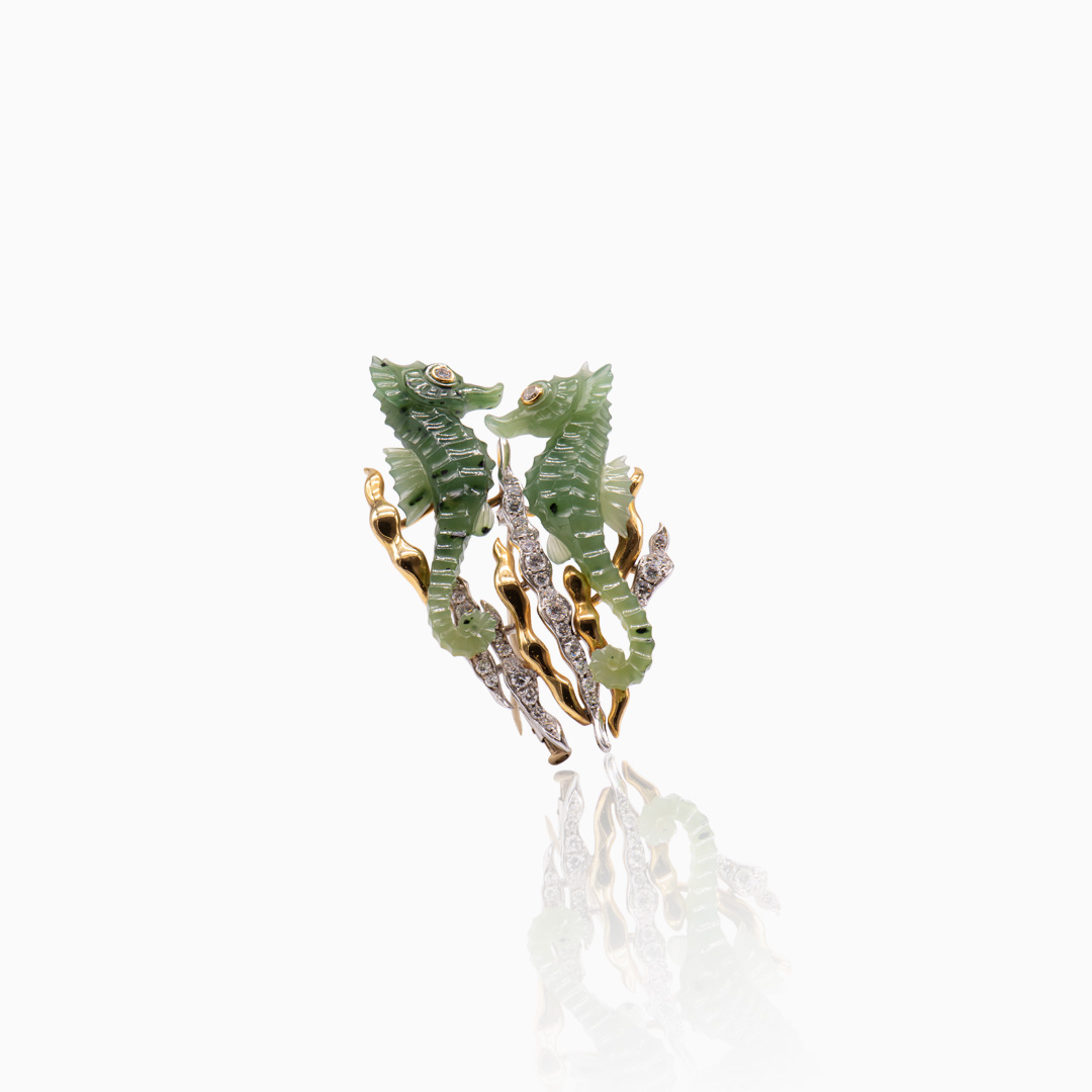 Broche de Oro y Oro Blanco con Jade y Diamantes