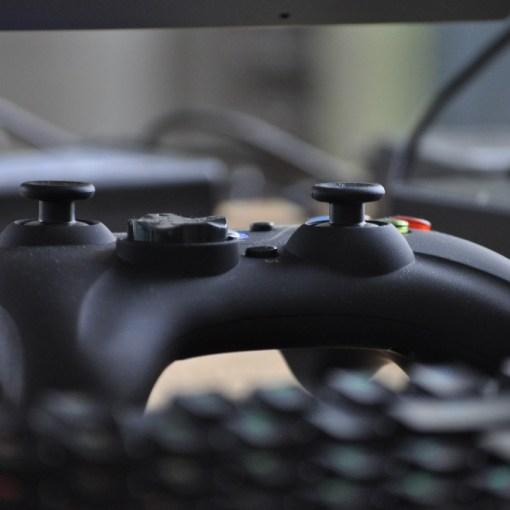 ayduas al sector de los videojuegos