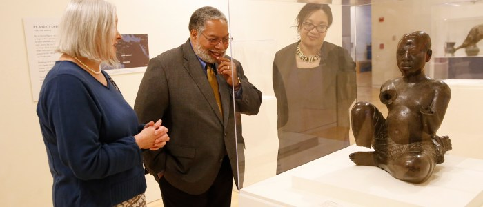 Head of Smithsonian Lonnie Bunch and award-winning author Chimamanda Ngozi Adichie tour Caravans of Gold