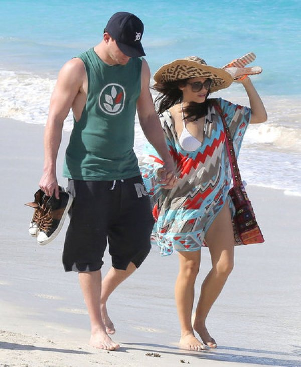 Beach Coverups Seen On Celebrities And VS Angels In St Barts ченнинг татум и жена