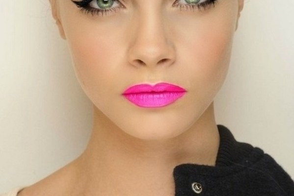 Bright lipstick for summer 2013