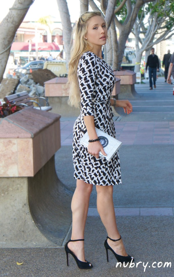 DVF wrap dress - black and white chain link print - iconic style - 40th anniversary