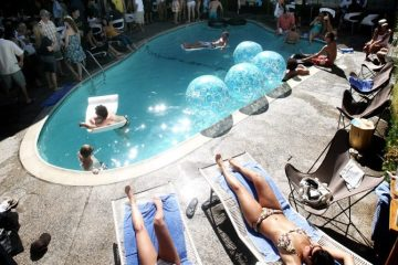 Hottest San Diego Pools - The Pearl Hotel Groove Brunch and Mimosas - The Ultimate Pool Season Guide For Summer
