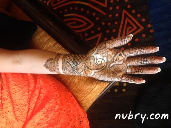 wedding tips - henna - wedding culture integration for modern wedding