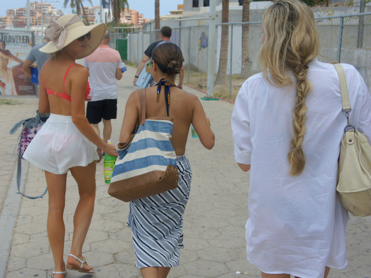 What To Wear On A Yacht In Cabo 12