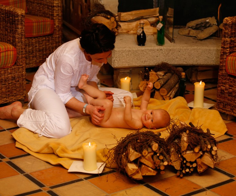 Die Alpenrose bietet auch Wellness für Babys an. © Leading Family Hotel & Resort Alpenrose