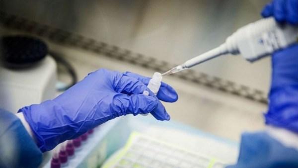 Ενθαρρυντικά αποτελέσματα ανακοίνωσαν επιστήμονες του Χονγκ Κονγκ από την κλινική δοκιμή ενός τριπλού «κοκτέιλ»φαρμάκων