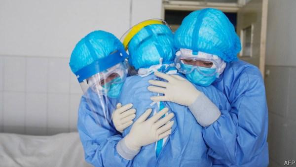 7.000 επαγγελματίες υγείας νεκροί από την πανδημία