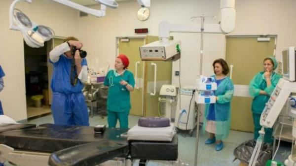 """Νοσοκομείο Ρίου: Ο Διοικητής """"μπούκαρε"""" στην Εντατική με υψηλούς προσκεκλημένους"""