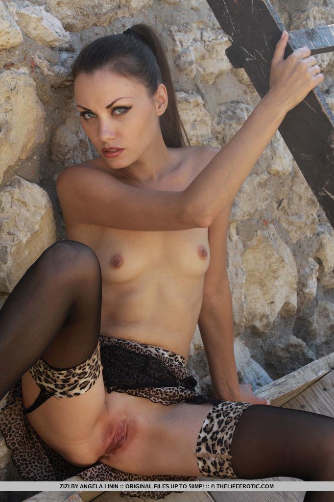 Zizi in Erotic Pleasure by The Life Erotic 17 nude photos Nude Galleries