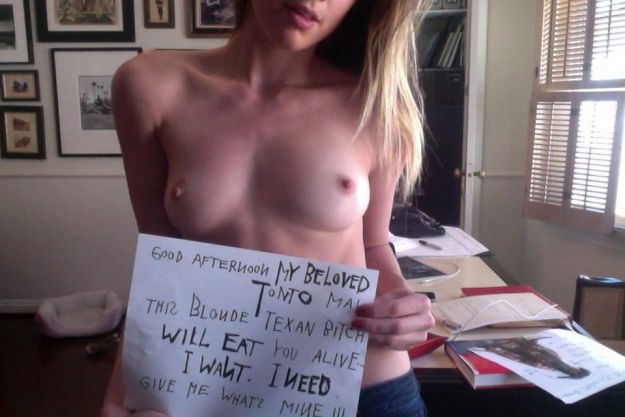 Amber Heard Leaked Nude Selfies