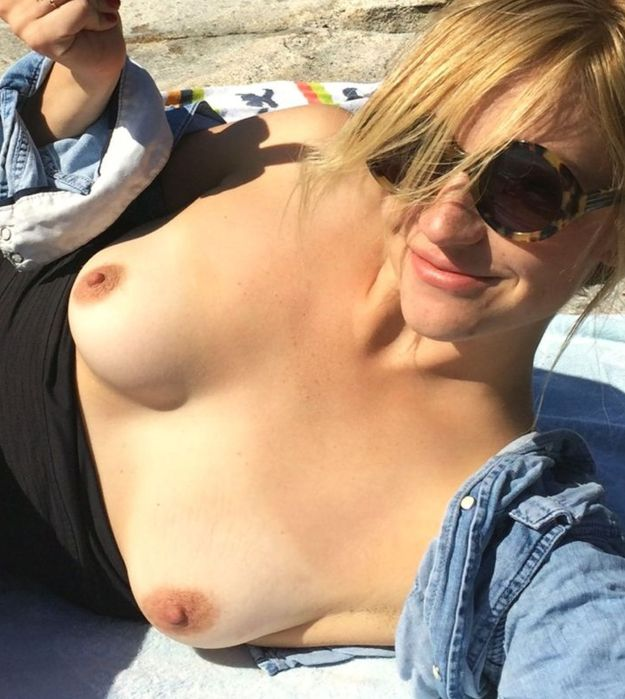 Odd Mom Out actress Abby Elliott the Fappening leaks