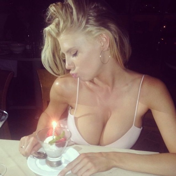 Charlotte McKinney nude photos leaked from hacked iCloud by The Fappening
