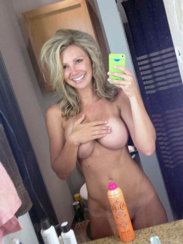 Dallas Cowboys Cheerleader Tobie Percival Leaked Nudes and Blowjob VIDEO