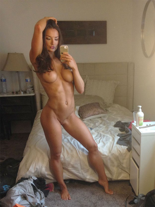 Fitness model Whitney Johns naked selfies