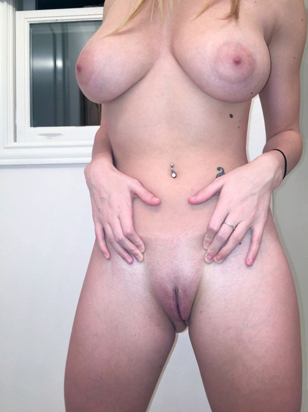 Taylor Mathis nude photos leaked from iCloud by the Fappening 2018