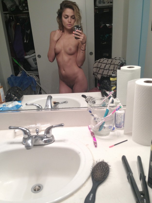 The Voice contestant Kelsey Laverack nude photos leaked from iCloud