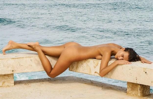 Stylish Model Rachel Cook Posing Topless In Bathtub Outdoors Zoig 1