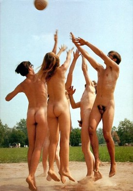 nudist_adventures_56685574347_familynaturistchoice_naturist_holiday_group.jpg