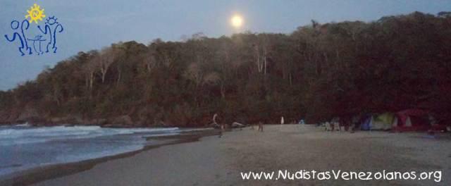 playa-nudista-venezuela-4-dias