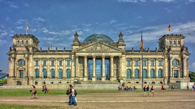 Symbolbild: Reichstagsgebäude Berlin