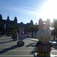Miffy, la conejita holandesa más famosa, sigue de fiesta.