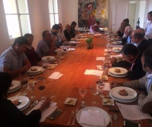Organizamos un almuerzo en que tratamos los  desafíos para el fortalecimiento Institucional de la Provincia.