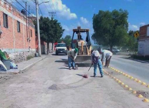 Se rehabilitan calles de Apaseo el Grande en primera semana de gobierno