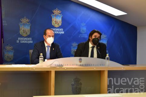 Guadalajara y Marchamalo sellan un nuevo acuerdo en materia de agua que actualiza el de 1999 y lo vincula a consumo y costes reales