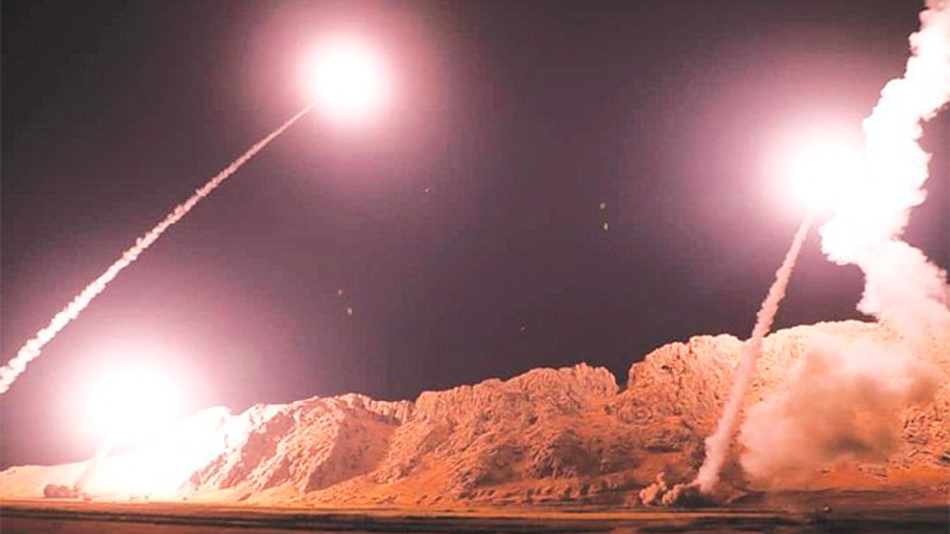 Irán responde a EE.UU. bombardeando con misiles sus bases militares en Irak