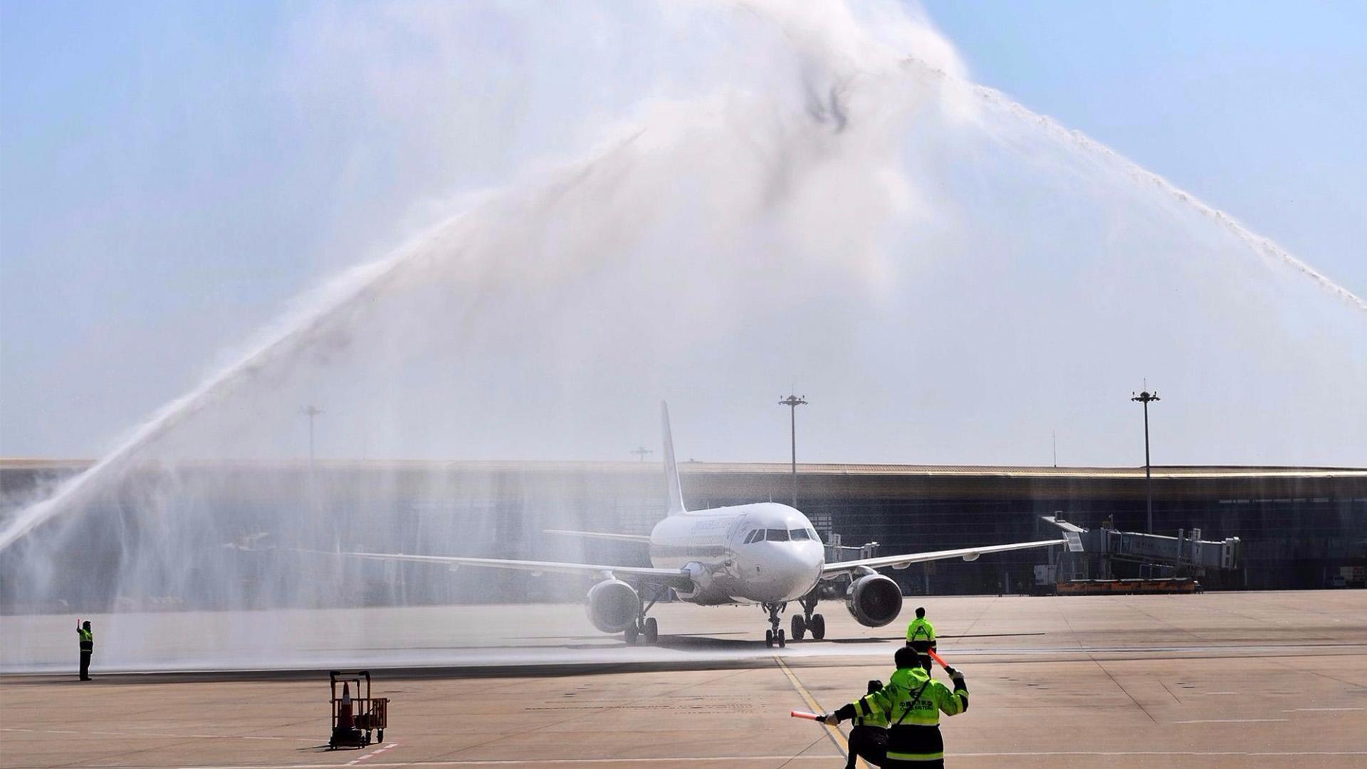 Coronavirus en China: Beijing canceló más de 1.200 vuelos tras el rebrote