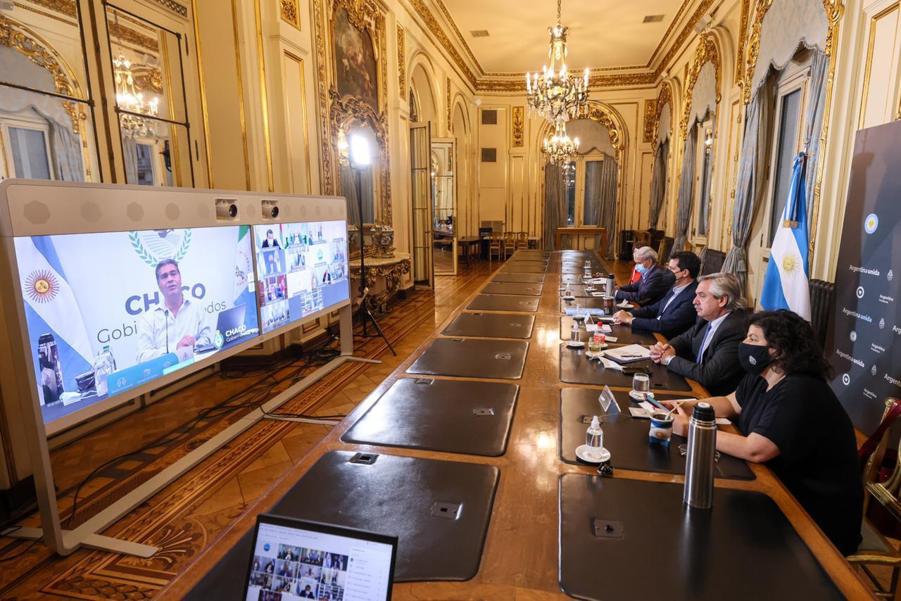 El presidente se reunió por videoconferencia con 12 gobernadores para analizar situación