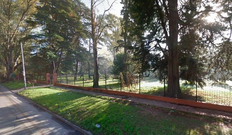 Desalojaron campo deportivo de un colegio en Parque Leloir donde se jugaba torneo de fútbol